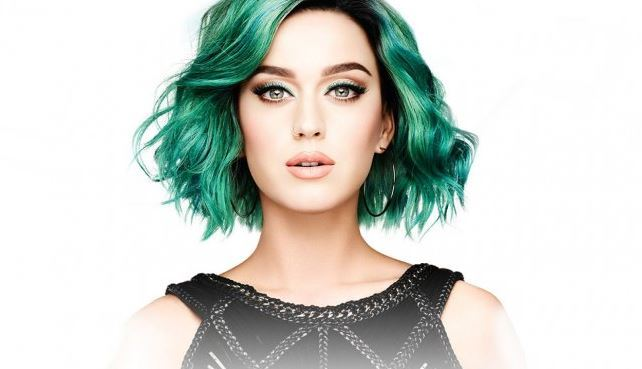 Teal-green-hair-color-simulation